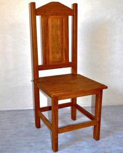 demolição de cadeira madeira de