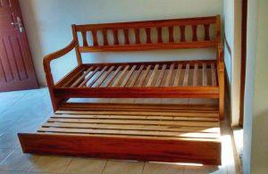 rustico sofa de madeira